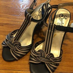 Seychelles Black and Brown Leather Sandals